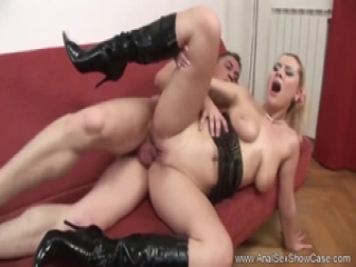 Hot Blonde Gets Her Ass Ready For Powerful Pounding