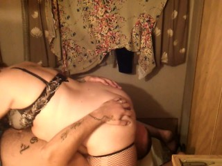 BBW in fishnet stockings 69s with muscular guy.