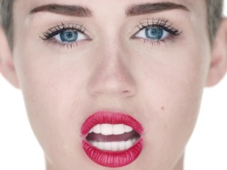 Miley Cyrus – Wrecking Ball (Porn Edit)