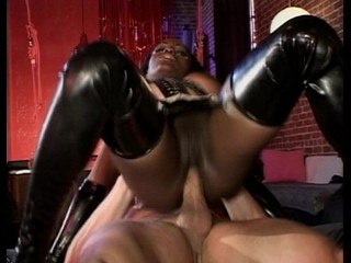 Ebony chick likes white cock in her ass
