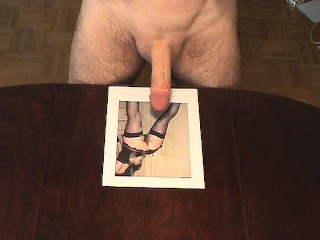9 cum squirts for this horny lady!