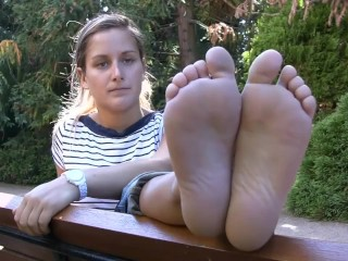 French barefeet blue eyed girl