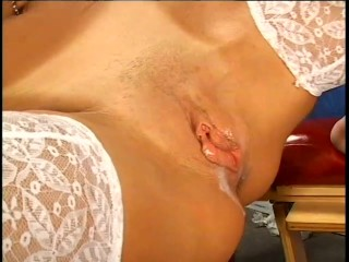 Vanessa the Dirty Housewife – X-Traordinary Pictures