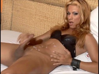 TS releases her sperm on herself