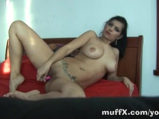 Ivana goes solo on bed
