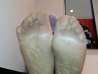 PANTYHOSE foot sole tease in ladies clothing store dressing room!
