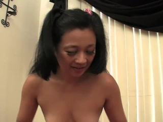 Asian Slut Lucky Starr come ot give you a massage & you give her your load