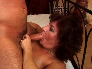 She loves younger sausage – CzechSuperStars