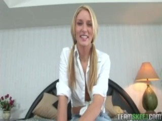 sexy blonde babe Montana Rae gives a deep throat like there's no tomorrow