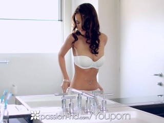 Passion-HD – Dillion Harper fingers her freshly shaved pussy