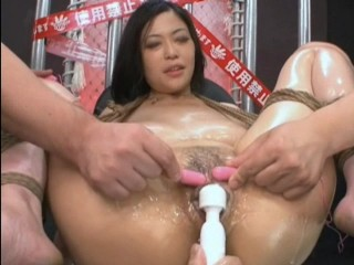 Momos Squirting Pussy
