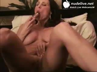 Huge Tit Show Off And Playing Her Pussy With Toys