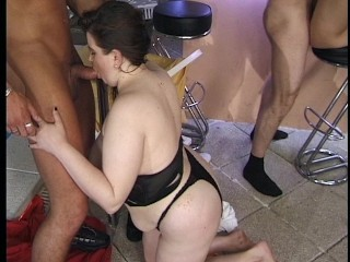 Big sexy woman gets laid at the orgy