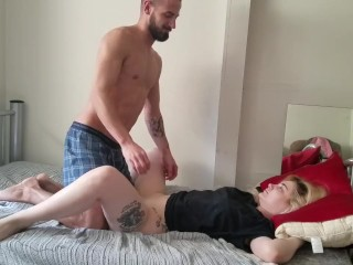 Daddy wakes me up to play