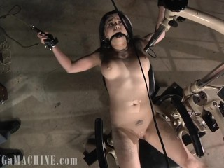 Mouse Traps Pulling at Her Nips & Lips She's Fuck by the Machine