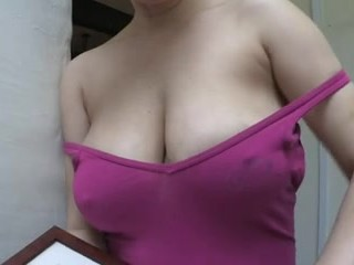 Dilettant downblouse fat knockers oops