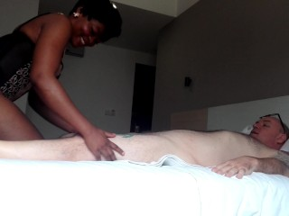HOT EBONY MILF GETS A MASSIVE CUM LOAD TO EAT AND MOPS IT ALL UP