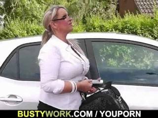 He lures busty plumper into sex