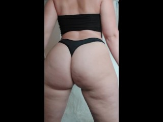 Twerking and clapping my ass ♡♡♡