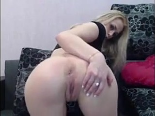 Sexy blonde masturbating on webcam – more: camfuck.me