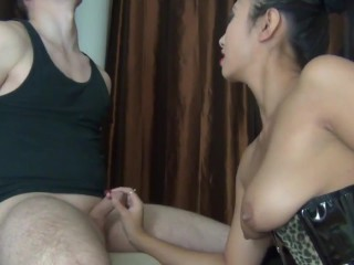 Asian chick fuck and give blowjob