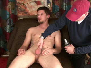 Str8 Ethan Hawke look alike from Idaho lets me suck his cock for cash.