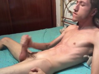 GREAT HANDJOB WITH A LOT OF CUM