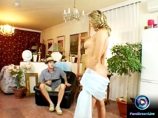 Nude model Caroline Cage and her painter backdoor fucking