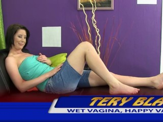 Pouring pee into her gaping snatch