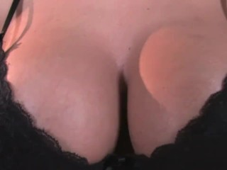 Well gifted Rozi fingering her ass
