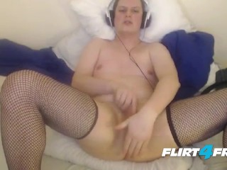 Devoted Camboy Becomes Master's Kinky Slave