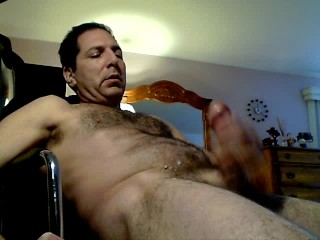SEXY GUY JACKING AND CUMMING
