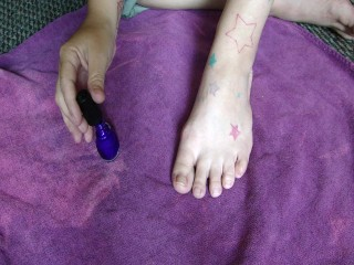 Painting My Toes….Purple