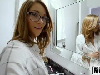 Mofos – Kirsten Lee gets facial all over her glasses