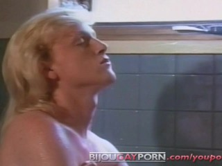 Cute Young Blonde Guys Fool Around in a Tub – PUPPY TALES (1989)