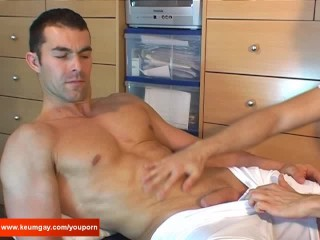 Full video: No, i'm not gay don't play with my cock !
