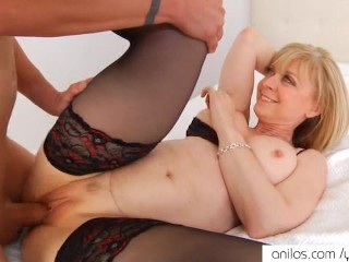 Nina Hartley gets pussy jizzed