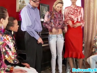 Pissing and fisting groupsex with Bella Baby
