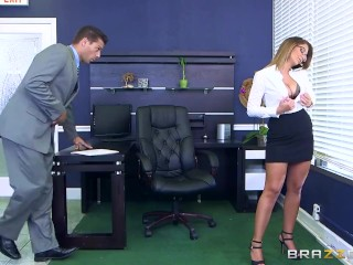 Layla London wants some office cock – Brazzers