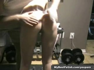 Gym babe gets is ass oil up- Mybestfetish