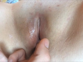 Wet Pussy Gets playful tongue