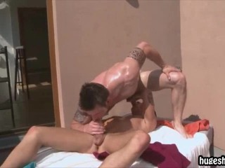 Two best friends suck each others cock