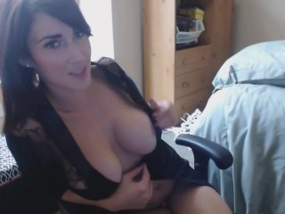 Busty Pussy Play