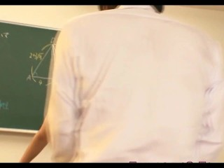 queening_japanese_teen_pounded_in_classroom_720p.mp4