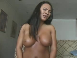 Asian chick screaming on a sybian