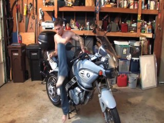 Cumming While Riding A Motorcycle – BENNY MORECOCK