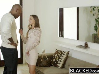 BLACKED.com Sexy wife on vacation hooks up