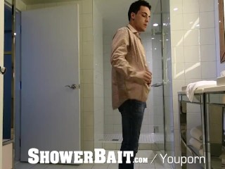 ShowerBait str8 shower fuck with hunks