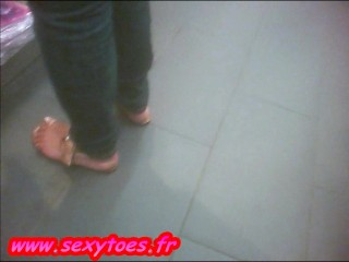 This Candid Busty Dominican Milf With Sexy Large Feet Is A Prostitute